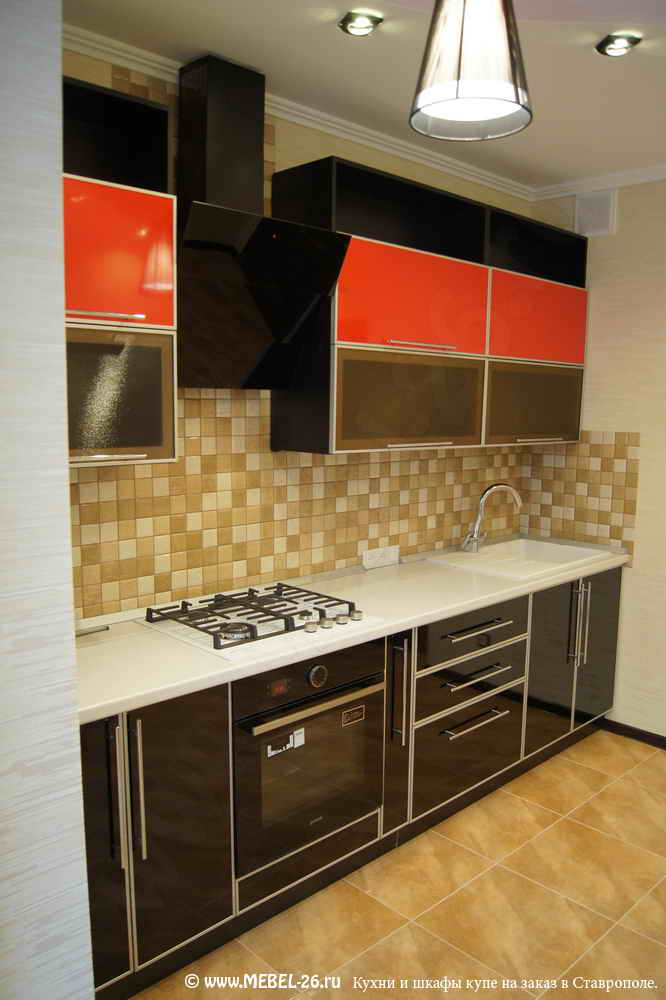 красные пластиковые кухни фото